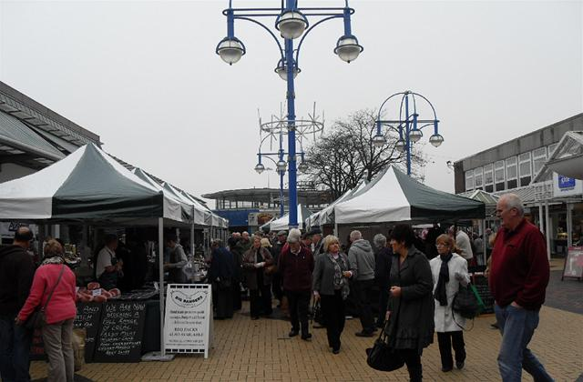 Xmas Market Returns to Market Square